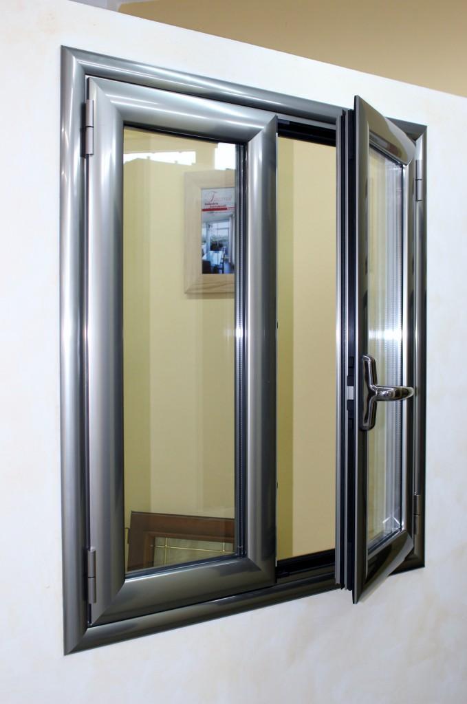 Infissi alluminio taglio termico finestrall for Finestre infissi