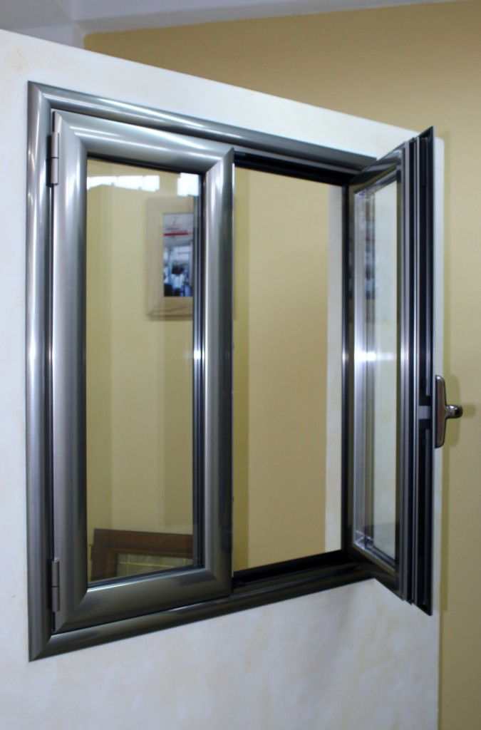 Infissi alluminio taglio termico finestrall for Infissi a taglio termico prezzi